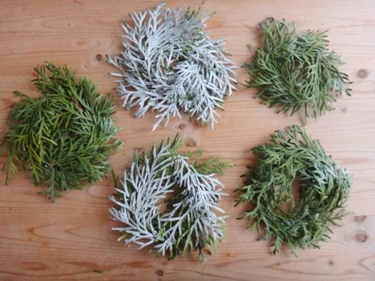 Mini Pine Branch Christmas Wreaths DIY Craft (11)