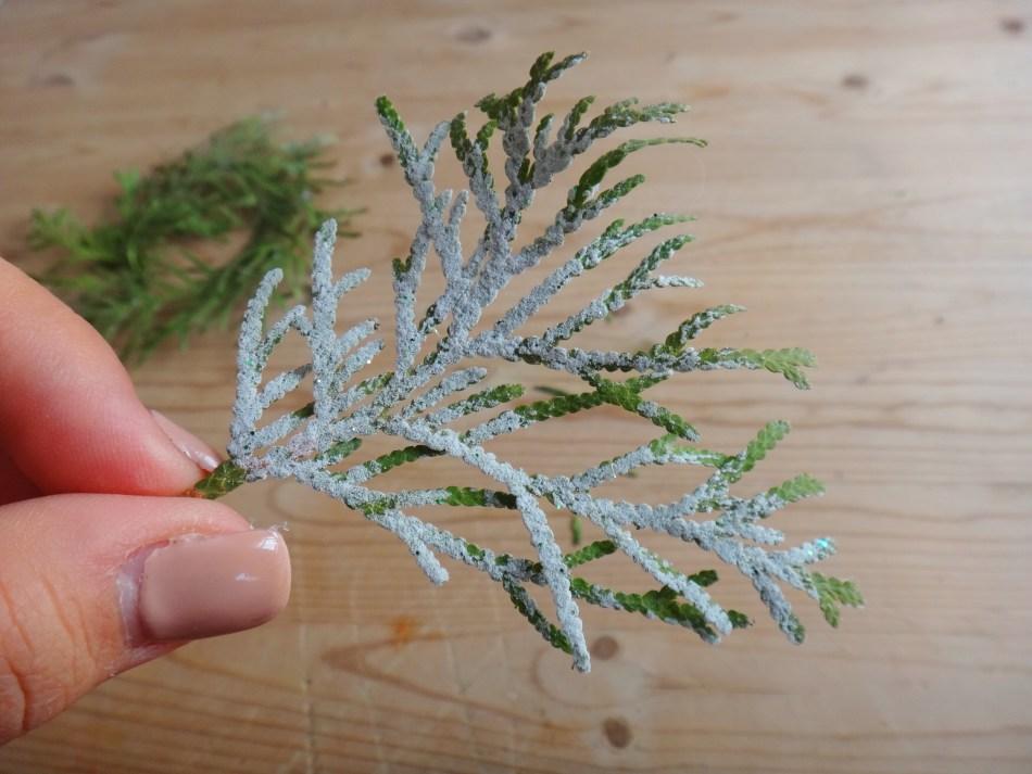 Mini Pine Branch Christmas Wreaths DIY Craft (6)