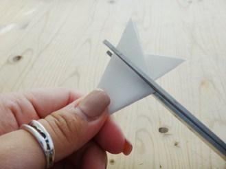 Paper Snowflake DIY Christmas Decor (2)