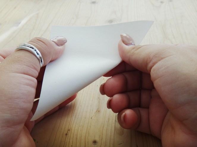 Paper Snowflake DIY Christmas Decor (4)