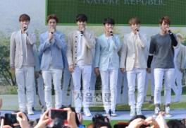 Yixing, Luhan, Kai, D.O., Chen, Baekhyun Greets