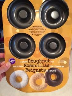 I used the Wilton doughnut pan.