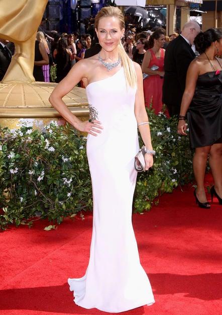 Julie Benz Emmy Awards 2010 hairdo