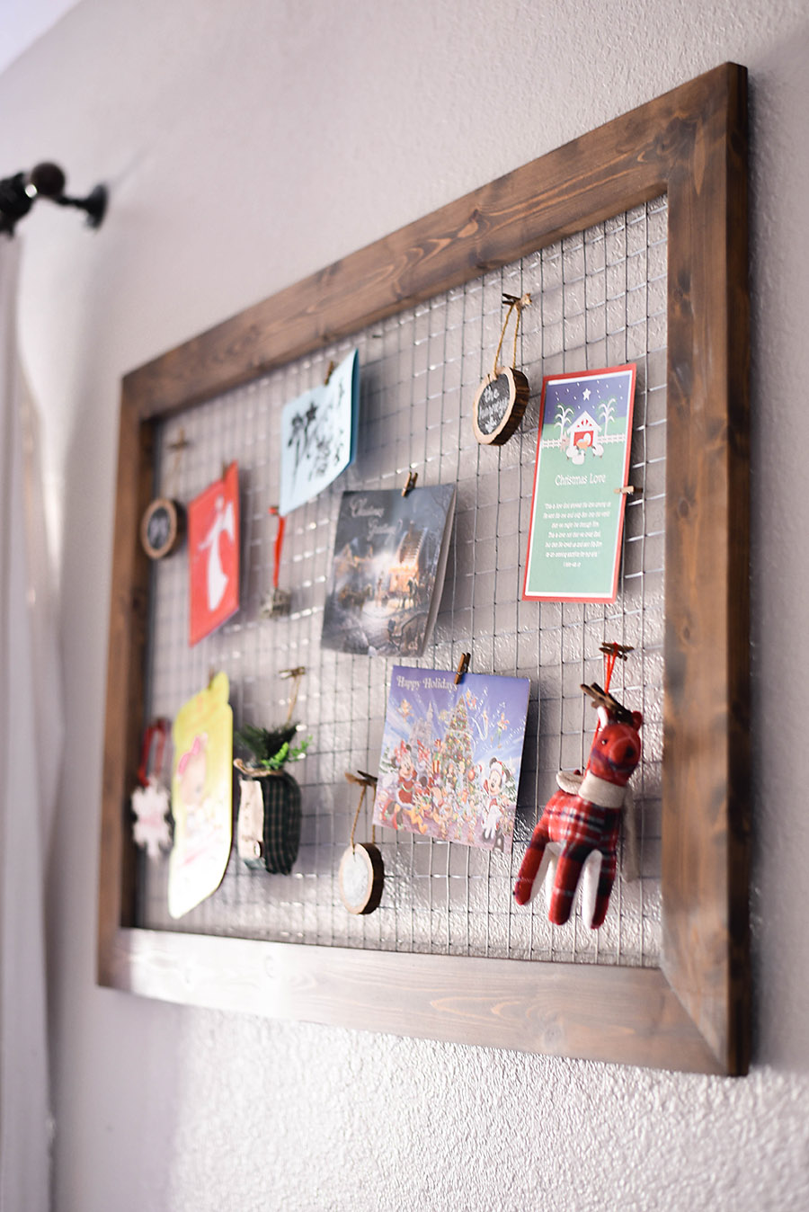 DIY Chicken Wire Christmas Card Holder Our Handcrafted Life