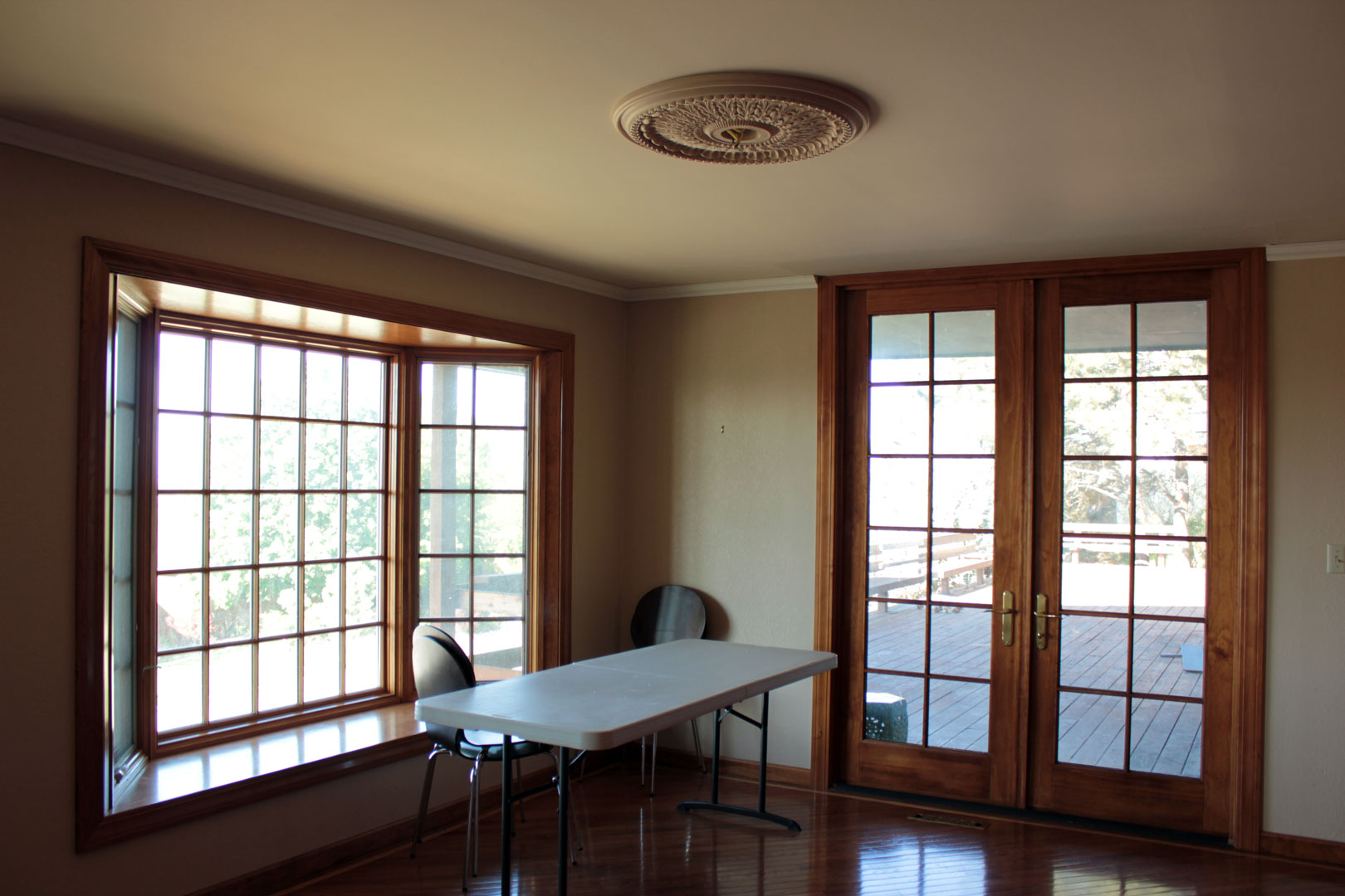 Dining Room Without Windows