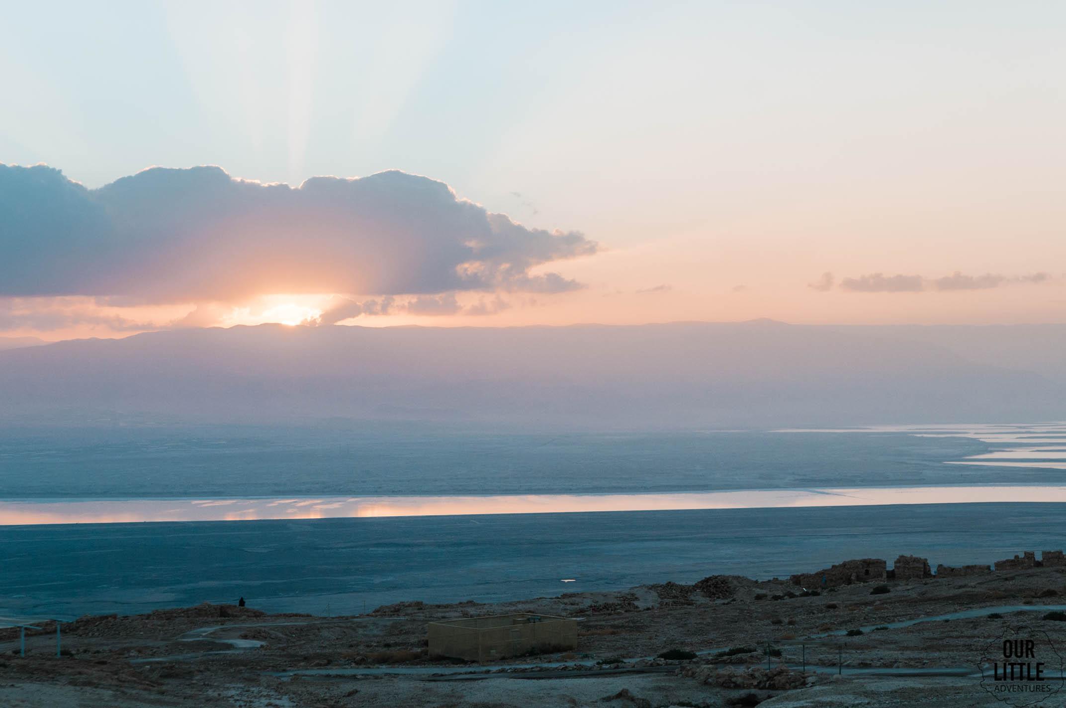 Wschód słońca na Masadzie