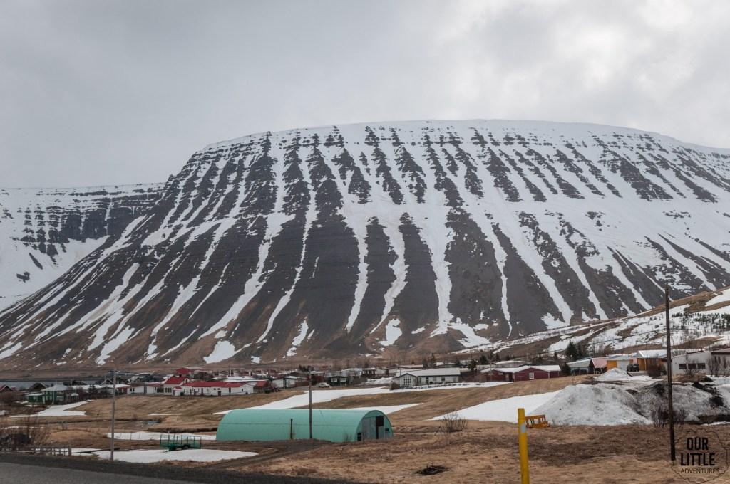 amerykański barak wojskowy na obrzeżach Isafjordur