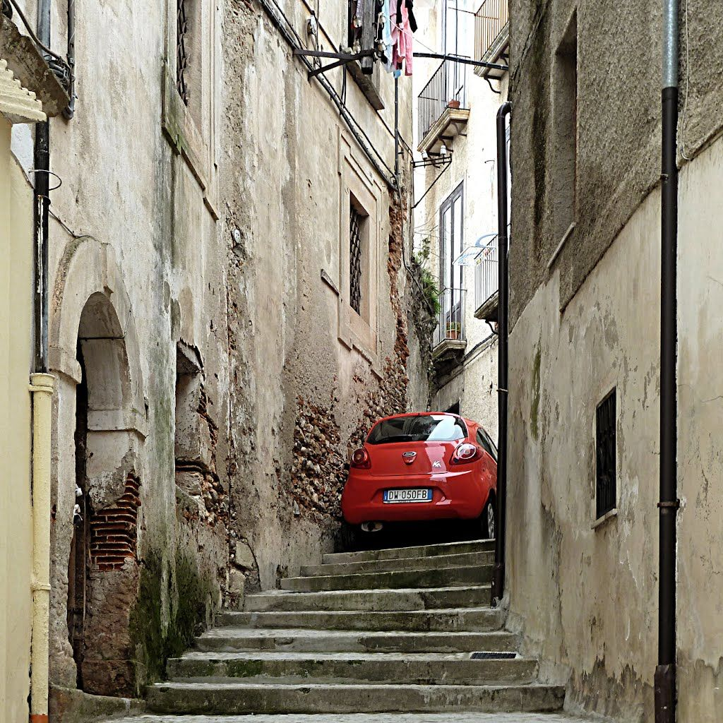 Driving in Italy - crazy parking!