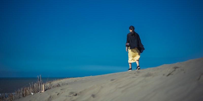 【桃園.觀音】兩個網美拍照景點推薦,草漯沙丘+白千層林道猶如國外美景!(附夜景好去處)