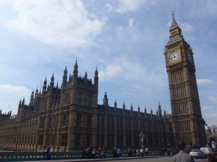 Le son de la cloche Big Ben est dû au fait que celle-ci s'est fissurée en 1859