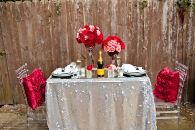 Romantic DIY Valentine's Day Table Decorations