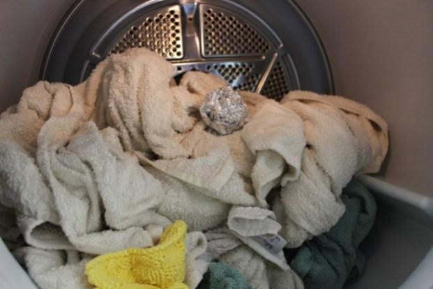 aluminum foil hacks -for fast drying laundry