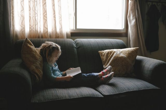 How to teach your 4 year-old to read! Books, resources, online games, tips and advice.