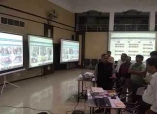 मतदान केंद्रांवर वेब कास्टिंग