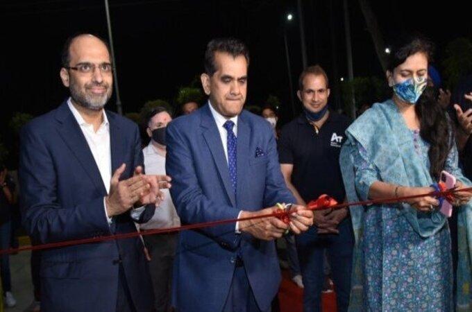नोएडामध्ये भारतातील सर्वात मोठ्या रोबोट फॅक्टरीची सुरुवात