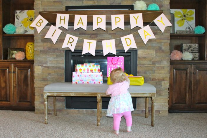 An ice cream themed 1st birthday party. // 1st Birthday | Sundae Party | Ice Cream Shoppe