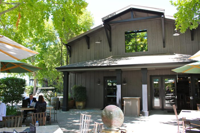 A private wine tour experience with Platypus Wine Tours in Napa Valley, California. #napa #california // Family Travel   Travel with Kids   Wine Country   US Travel   USA   United States   California Wine Country   Napa and Sonoma   Best Wineries   Vineyard Tours   Private Tasting   Wine Lovers