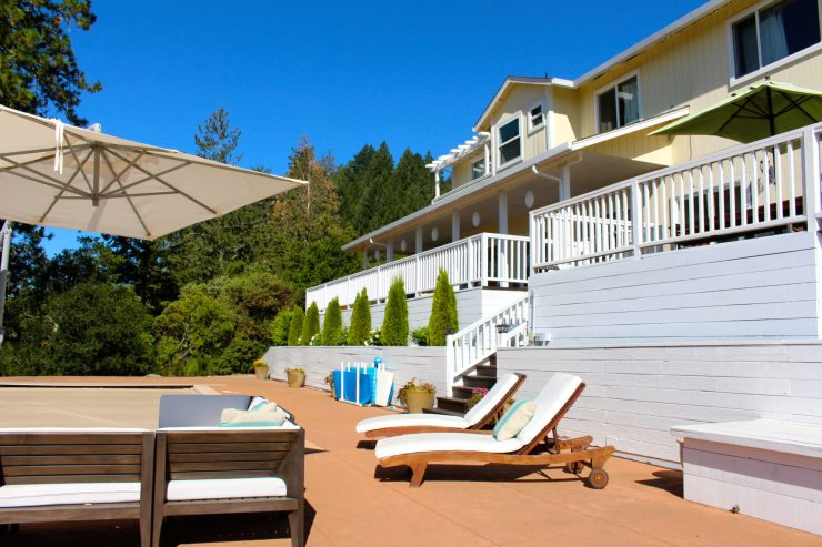 Why you should be using private vacation rentals for your family vacations. // Family Travel | Travel with Kids | Where to Stay