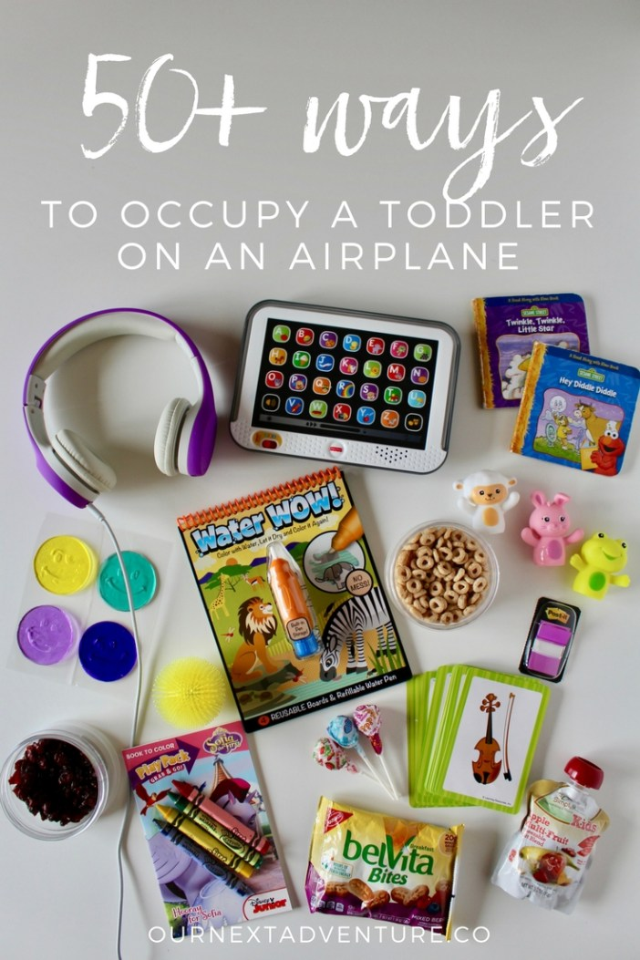 How to keep a toddler entertained when flying with kids. #familytravel #traveltips // Family Travel | Travel with Kids | Plane Travel | Flying with Toddler | Airplane Toys and Games | Toddler Busy Bag | Travel Snacks | Toddler Travel Tips | Flight Tips and Tricks