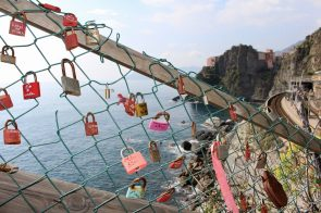 Cinque Terre for Families: What to see, eat, and do with kids! // Italy Family Travel | Florence with Kids | Vacation Ideas | Where to Stay
