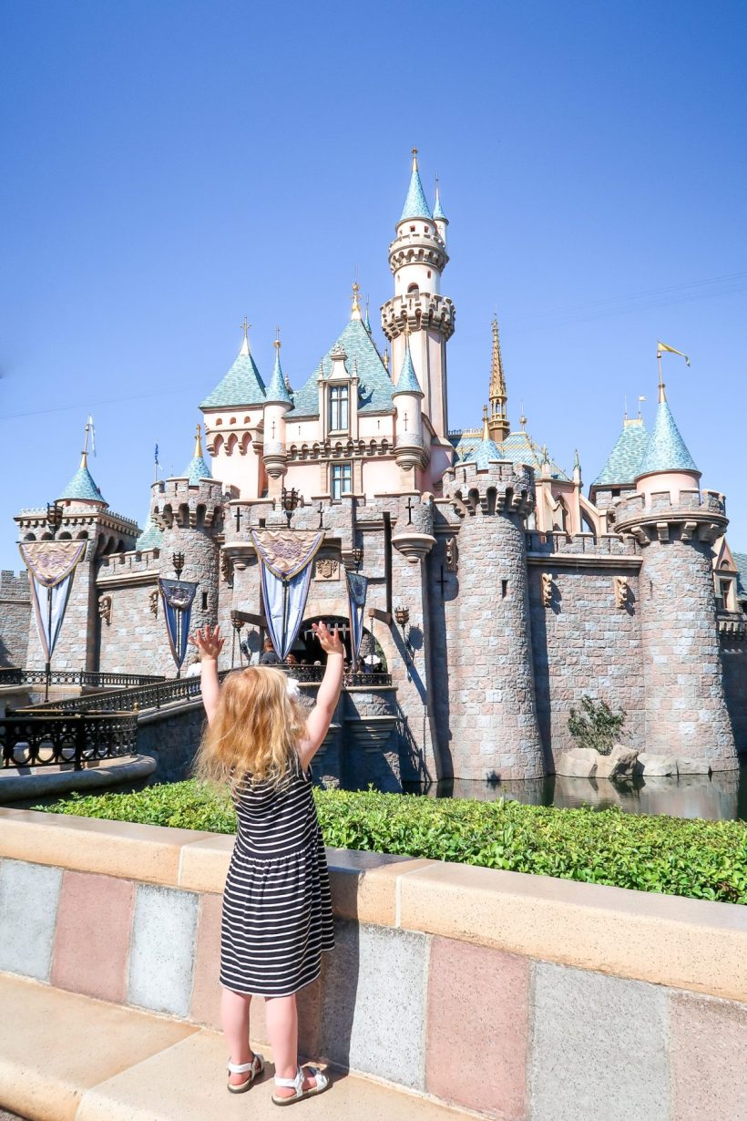 Planning a trip to Disneyland with kids under 5 (babies, toddlers or preschoolers)? Read how to plan one perfect day at Disneyland California (+get a free printable rides map + planner!) #disneyland #california #disney #usa #familytravel // Family Travel Destinations | Travel with Kids | Family Vacation Ideas | California Bucket List | Best Time to Visit Disneyland | Best Rides for Toddlers | Disneyland with Baby | Disneyland Tips | What to Eat | Disneyland Itinerary | Where to Stay | What to Pack