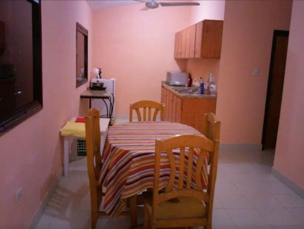Kitchen and dining room in La Casita