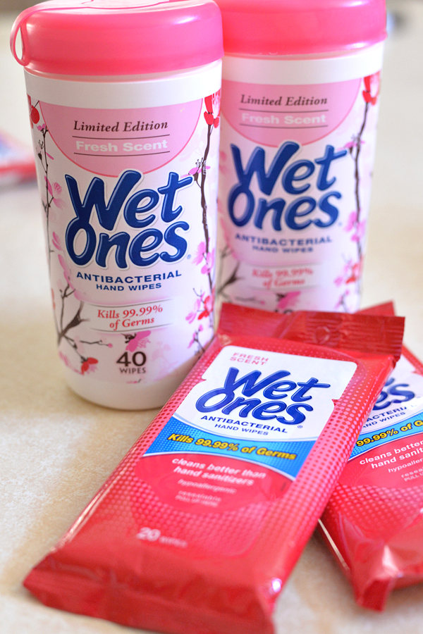 Wet Ones Lunch Cleanups (2)
