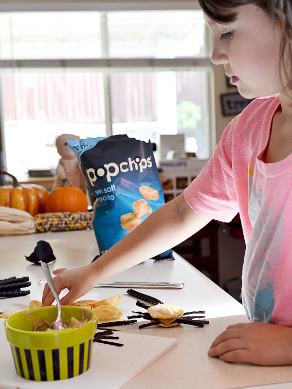 popchips sea salt Halloween Spider bite popwich snacks recipe  (7)