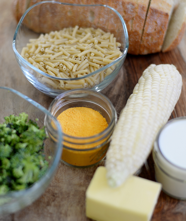 Grilled Broccolli Kernal Corn Mac Cheese sandwich with shapes cutout (3)