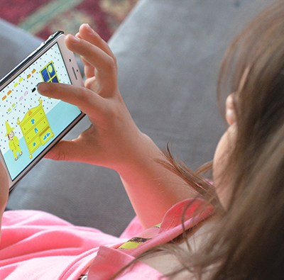 5 Family Friendly Tips To Encourage Less Screen Time