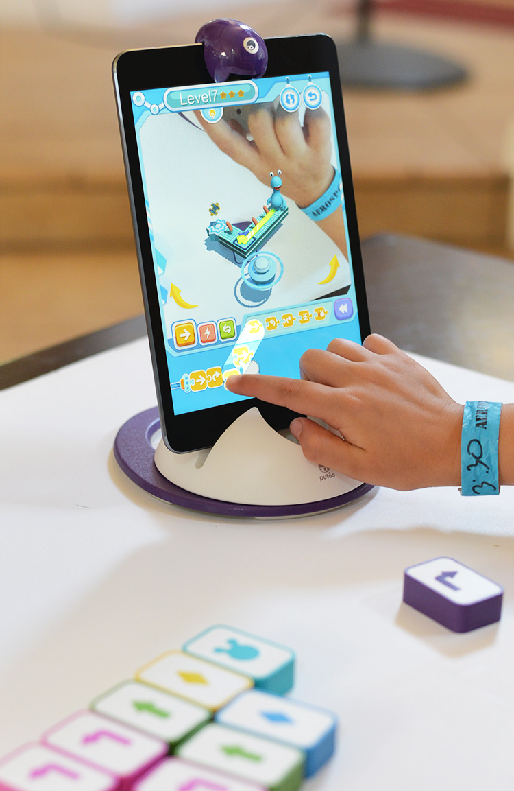 Learing iPad game for kids engineering