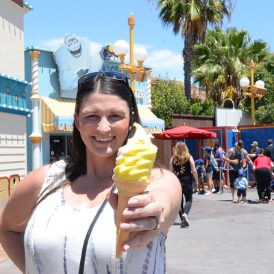 Our 5 Favorite Disneyland Foods To Try This Summer