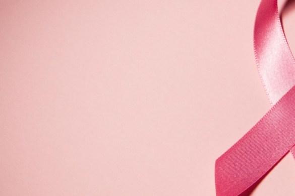 dấu hiệu triệu chứng nhận biết ung thư vú