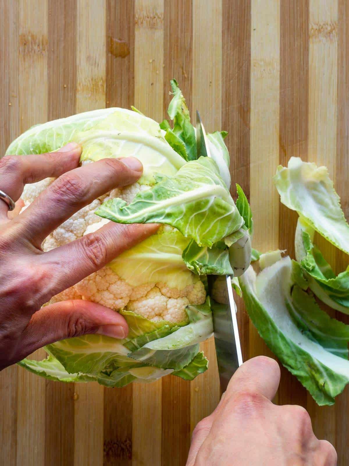 removing cauliflower leaves