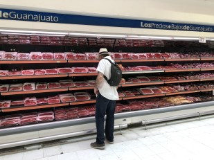 meat section at la Comer