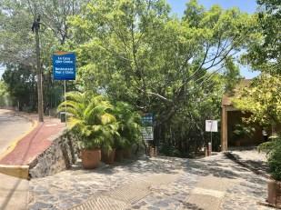 path to La Ropa