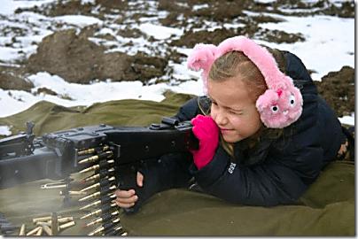 Little Girl with machine gun_thumb[1]