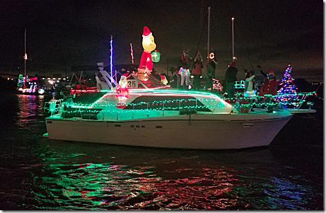 2018 Christmas Boat Parade 13