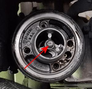 Rig Oil Filter Adapter Loosen Center Bolt