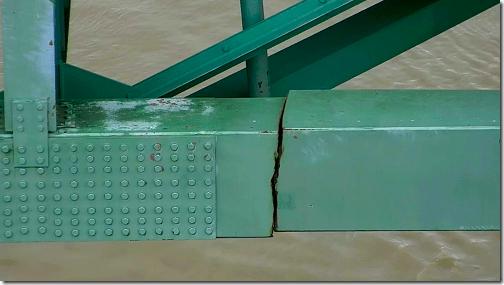 Mississippi River Bridge Crack