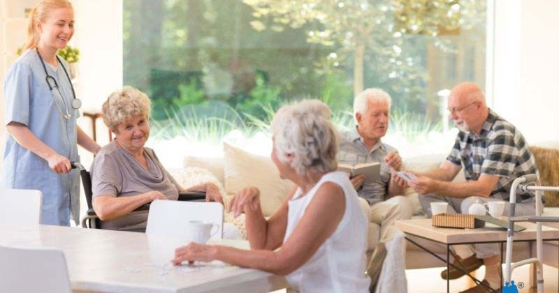 What Is The Difference Between a Nursing Home and an Assisted Living Facility?