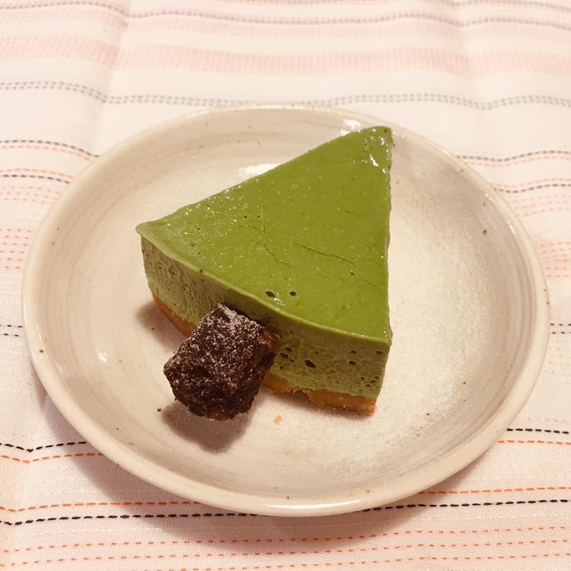 禾火甜點|聖誕抹茶生乳酪蛋糕,陪你度過甜滋滋的綠色聖誕