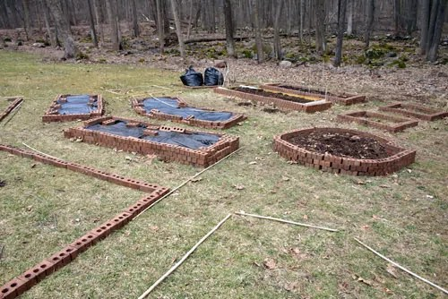 How To A Build A Cheap Raised Garden Bed