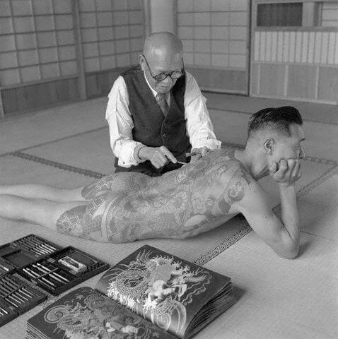 Sejarah Yakuza, Sindikat Kriminal Berusia 400 Tahun - Pembuatan Tatto Yakuza