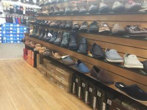 Colburn-Shoe-Store-06