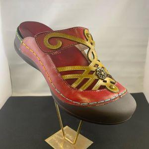 Colburn-Shoe-Store-11