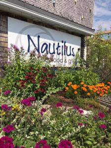 Nautilus-Restaurant-Belfast-Maine-Flower-Entrance