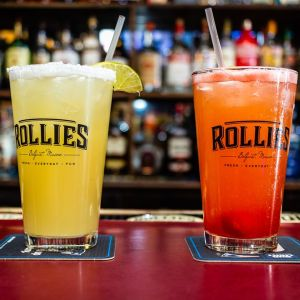 Rollies-Bar-Grill-Belfast-Maine-021