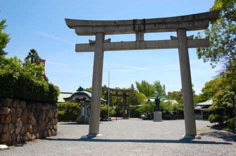 Hokoku Shrine, protector of the castle