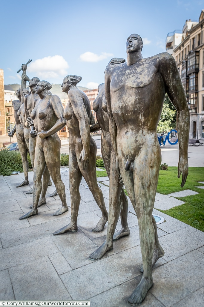 Monumento a la Concordia, a bronze sculpture of 7 figures in Carbayon Square, Oviedo, Spain